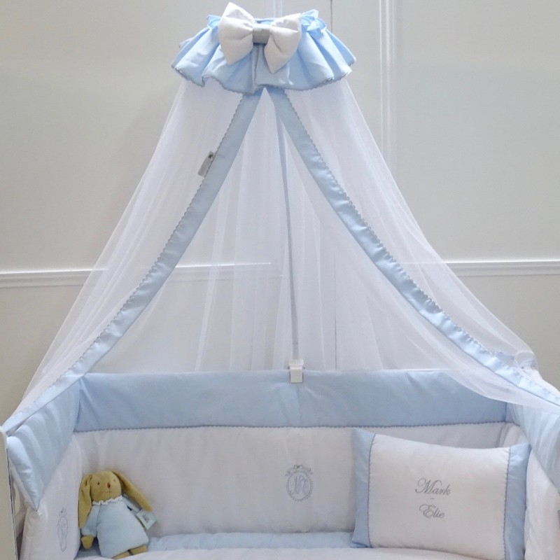 Canopy Bed In White And Pink Crib